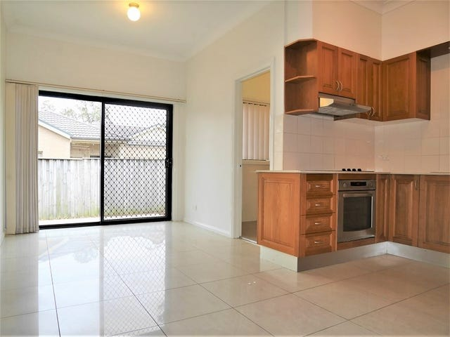 3/8 Oxford Street, Smithfield, NSW 2164