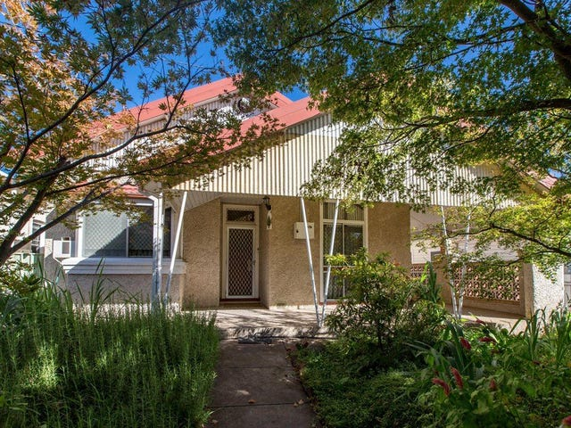 8 Norman Street, Turvey Park, NSW 2650
