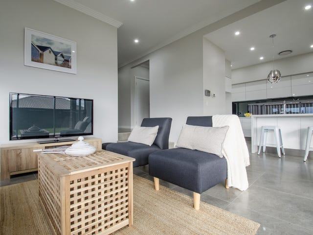 4 Middleridge Drive, Glenmore Park, NSW 2745