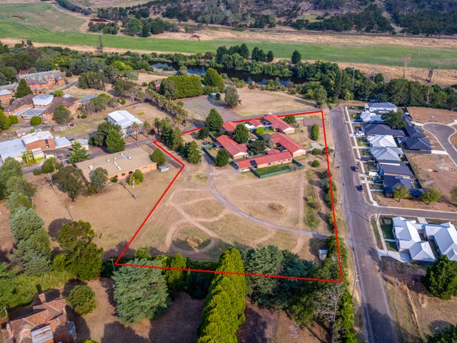 2 Wollondilly Avenue, Goulburn, NSW 2580