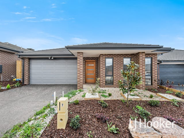 7 Barrier Parade, Clyde North, Vic 3978