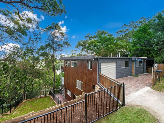 15 Cluden Street, Holland Park West, Qld 4121