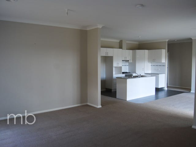 1 Bert Whiteley Place, Orange, NSW 2800