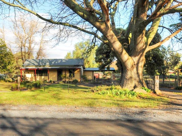 15 McNamaras Road, Millgrove, Vic 3799