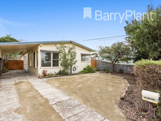 70 Ninth Avenue, Rosebud, Vic 3939