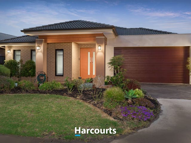 15 Mill Circuit, Clyde North, Vic 3978