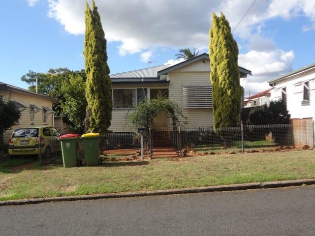 17 Chamberlain Street, North Toowoomba, Qld 4350