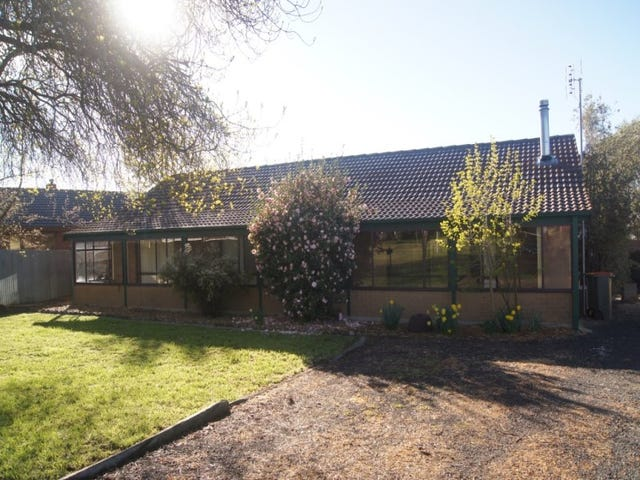 38 Trentham Road, Tylden, Vic 3444