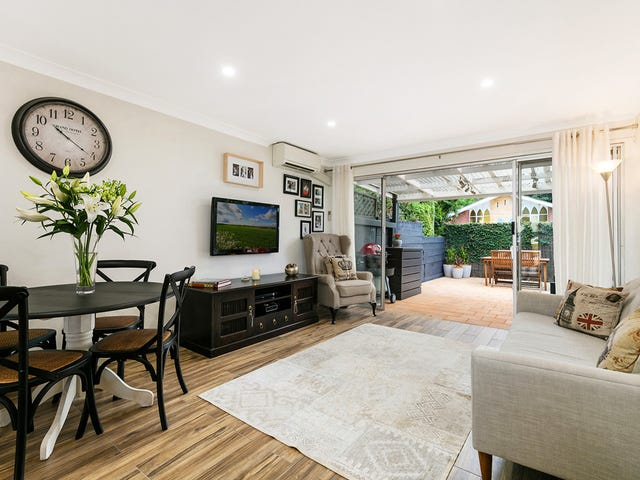 2/21 Edgeworth David Avenue, Hornsby, NSW 2077
