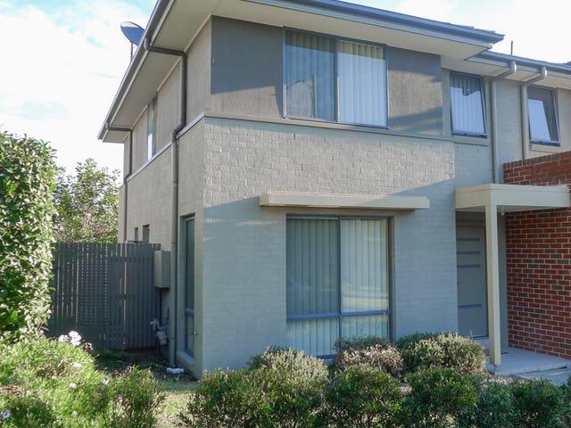 9 Lakewood Boulevard, Flinders, NSW 2529