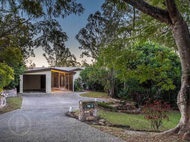 99 King Arthur Terrace, Tennyson, Qld 4105