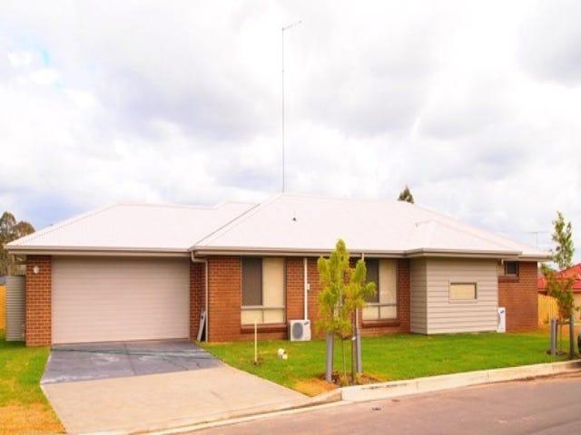 1 Crossley Avenue, Glenmore Park, NSW 2745