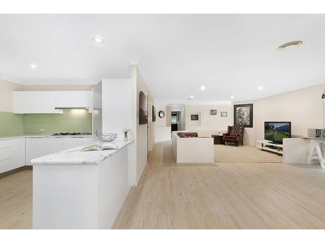 13 Cliff Close, Wakerley, Qld 4154