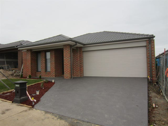 27 Macumba Drive, Clyde North, Vic 3978