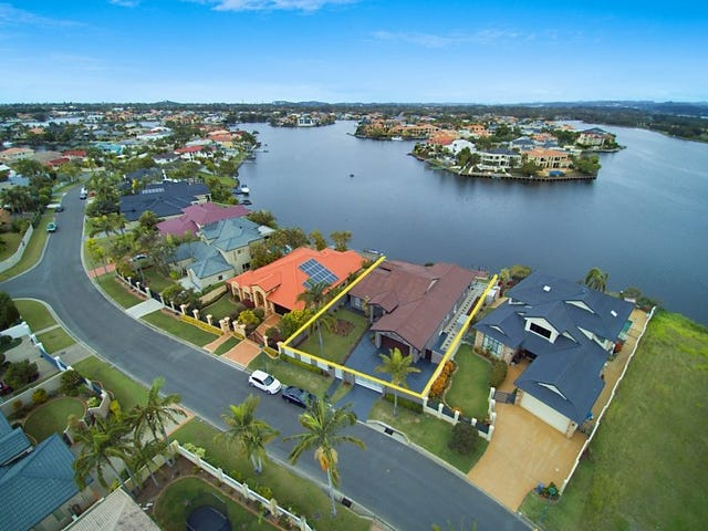 62 Montevideo Drive, Clear Island Waters, Qld 4226