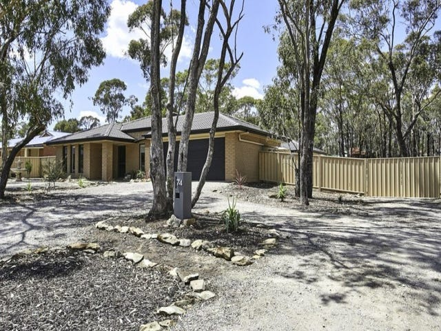 74 Pioneer Drive, Maiden Gully, Vic 3551