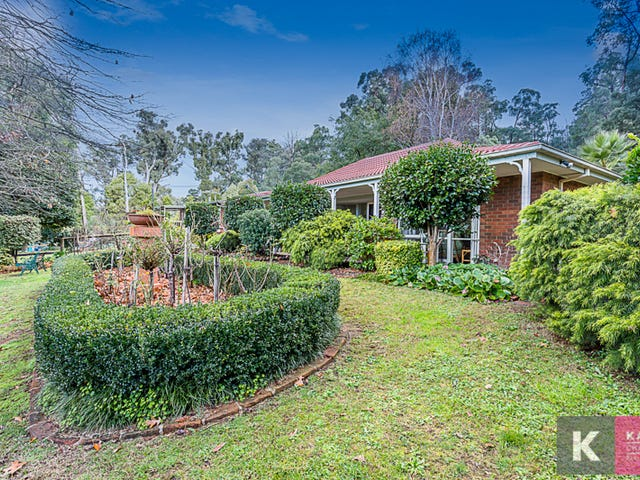 80 First Avenue, Cockatoo, Vic 3781