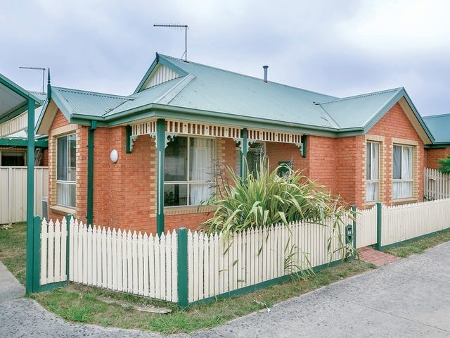 1/4 Castle Court, Ballarat East, Vic 3350