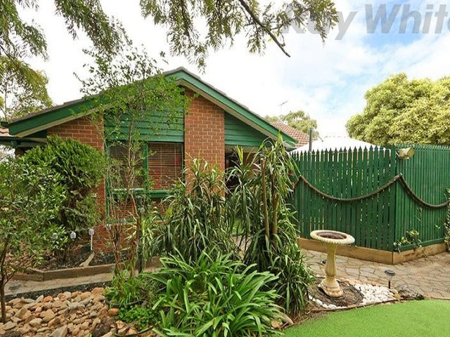 54 Windermere Drive, Ferntree Gully, Vic 3156