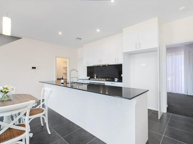 25 Stan Davey Rise, Coombs, ACT 2611