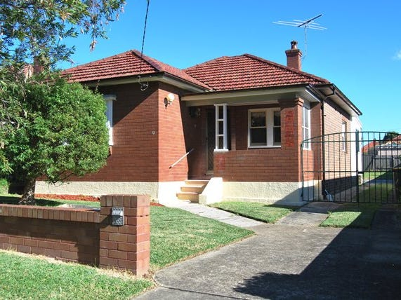 13 Hobbs Street, Kingsgrove, NSW 2208