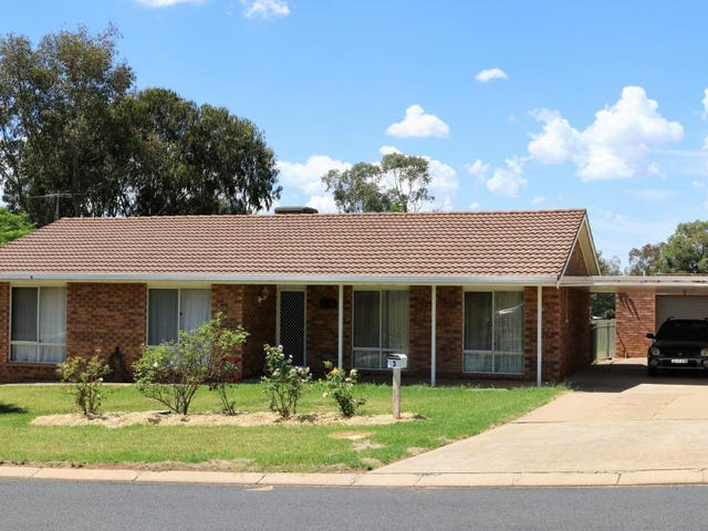 3 McNarry Place, Young, NSW 2594
