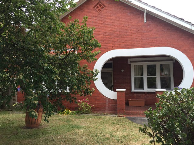 10 Holland Grove, Caulfield North, Vic 3161