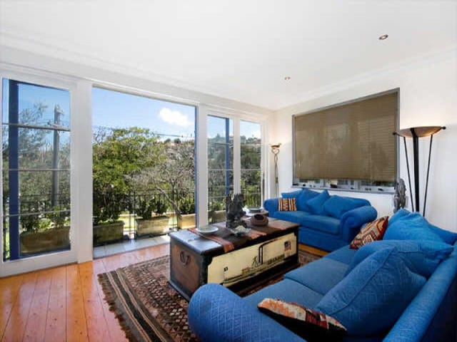 Bronte, address available on request