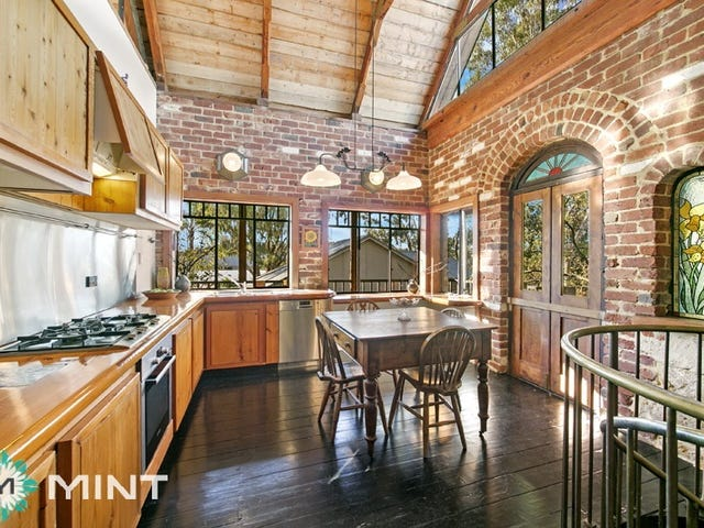 East Fremantle, address available on request