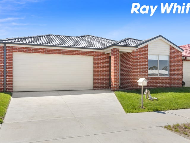 65 Pinnacle Drive, Pakenham, Vic 3810
