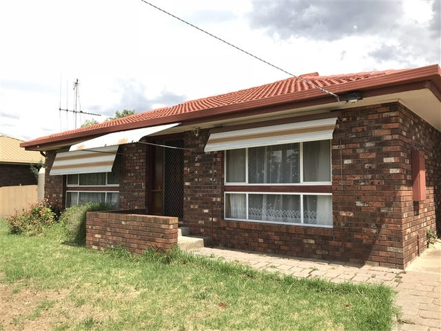 2/13 Graemar Court, Kangaroo Flat, Vic 3555