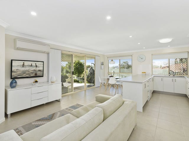 33 Kildare Drive, Banora Point, NSW 2486