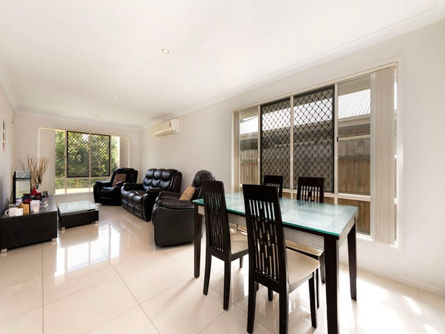 182 Barrack Road, Cannon Hill, Qld 4170