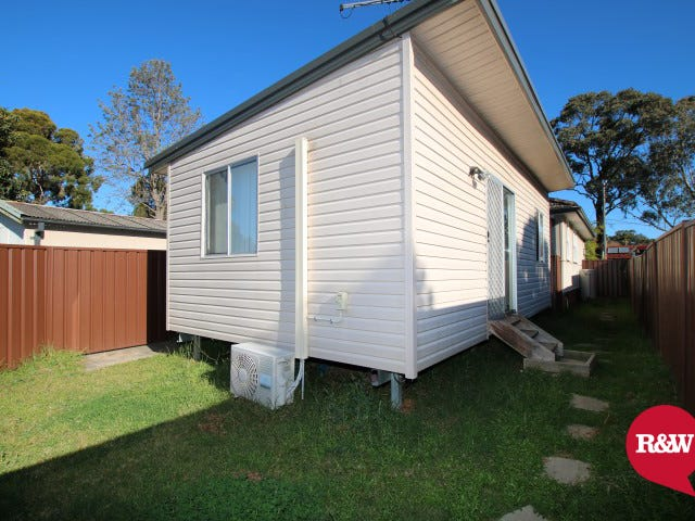 39A Lingayen Avenue, Lethbridge Park, NSW 2770