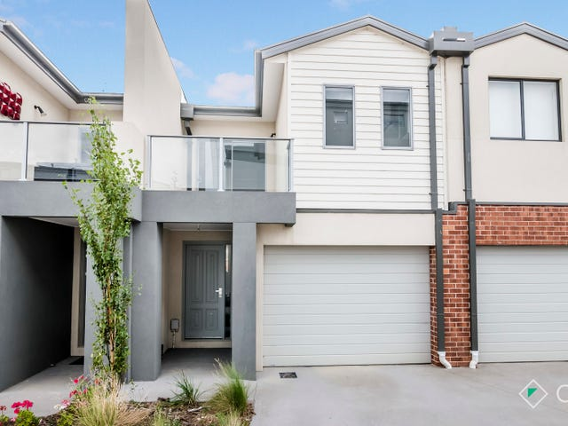 18/10 Mickleham Drive, Cranbourne North, Vic 3977
