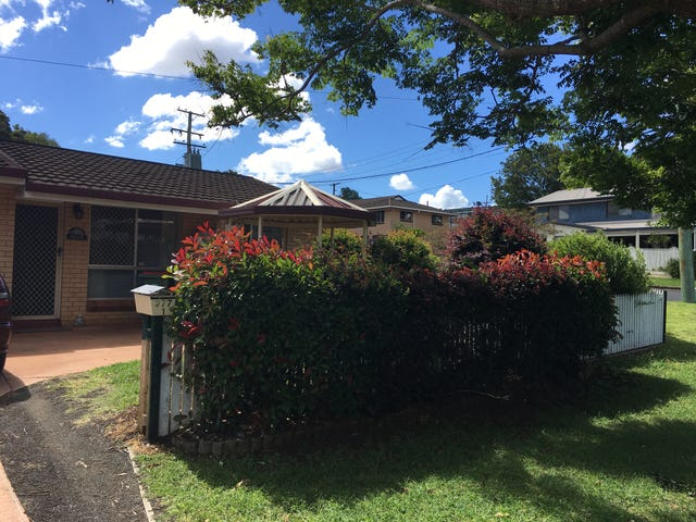 1/277 Mackenzie Street, Centenary Heights, Qld 4350