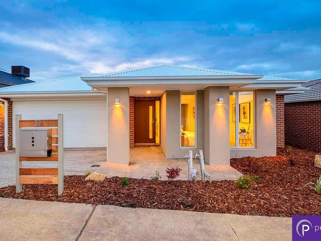 19 Wheelwright Street, Clyde North, Vic 3978