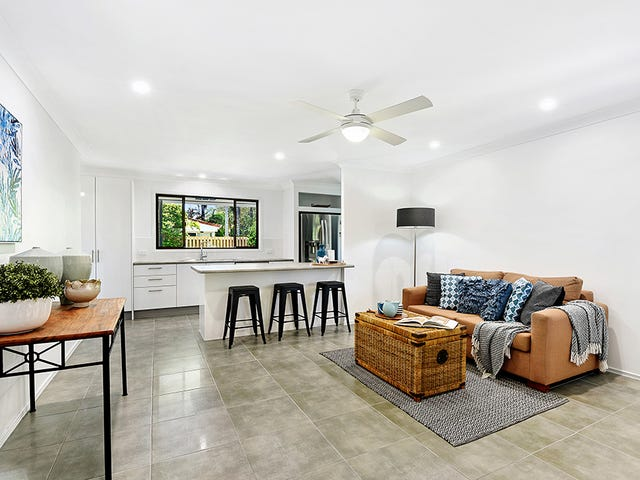4 Lakefield Crescent, Paradise Point, Qld 4216