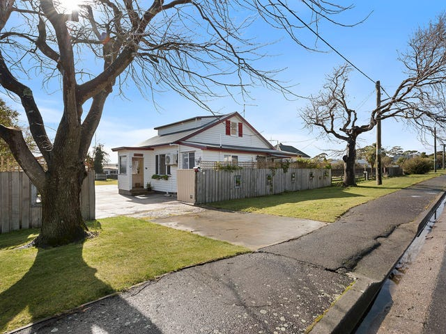 12 Scott Street, Beauty Point, Tas 7270