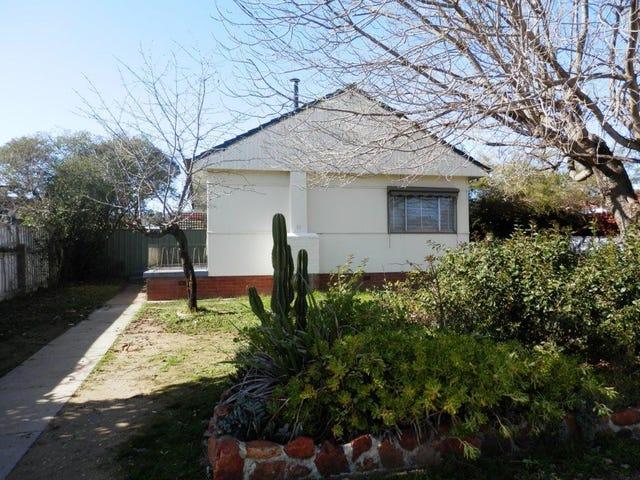 23 Manoora Avenue, Mount Austin, NSW 2650