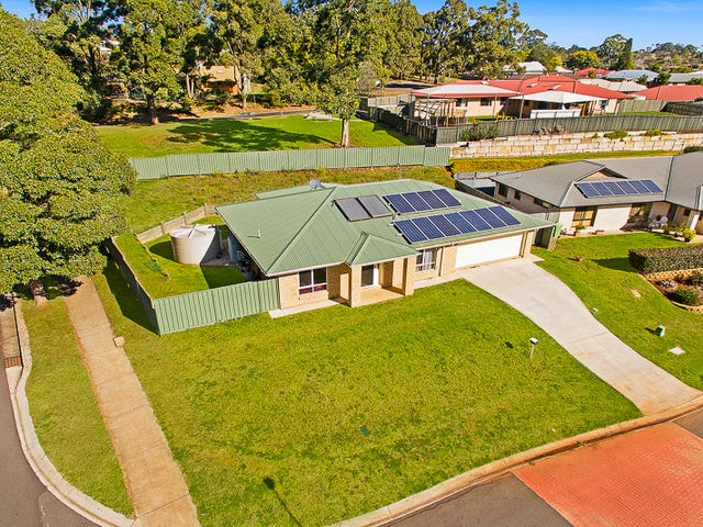 2 Willowburn Drive, Rockville, Qld 4350