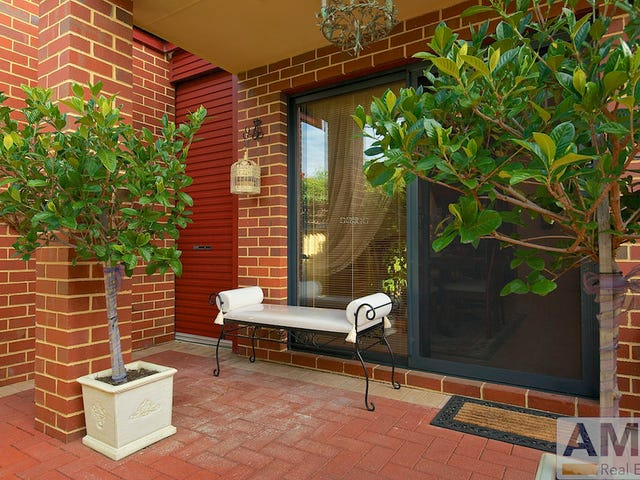 1/4 Wilkinson Street, Fremantle, WA 6160