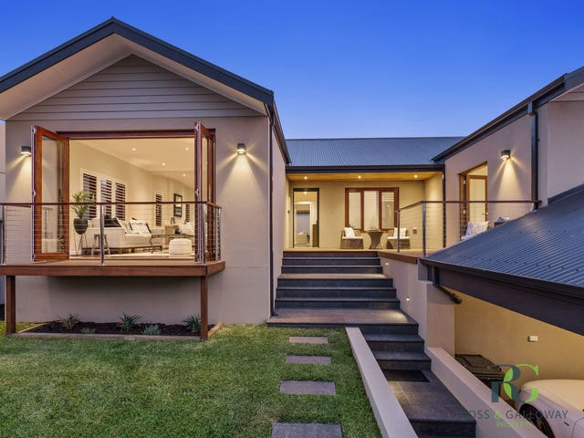 33 Woodley Crescent, Melville, WA 6156