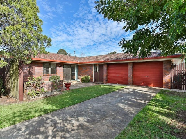 33 Wine Drive, Wilsonton Heights, Qld 4350