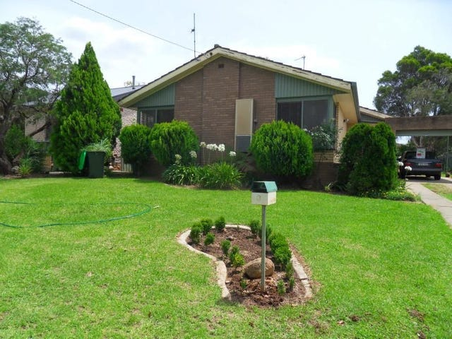 3 Fairbairn Crescent, Kooringal, NSW 2650