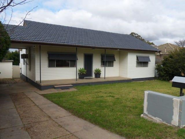 27 Kennedy Avenue, Kooringal, NSW 2650
