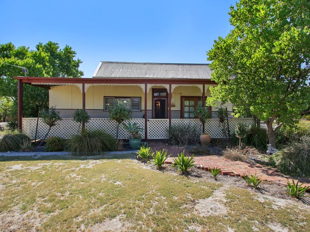 41 Albert Road, Chiltern, Vic 3683