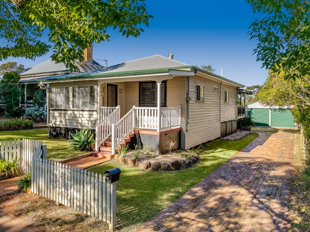 4 Moloney Street, North Toowoomba, Qld 4350