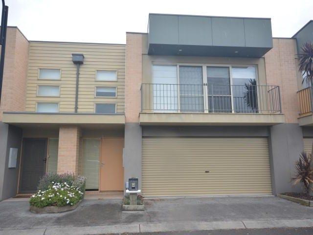 4 Sunline Terrace, Pakenham, Vic 3810