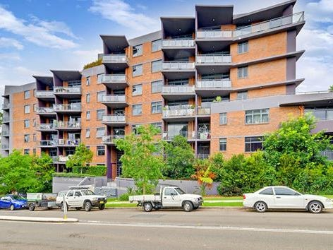 2/24-28 College Cresent, Hornsby, NSW 2077